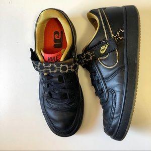 Nike Vandal Low Sneakers